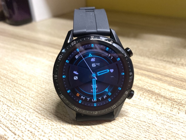 One of the factory watch faces showing on the Huawei Watch GT 2. Individual Pixels are still visible as the screen only features a 454 by 454 resolution.